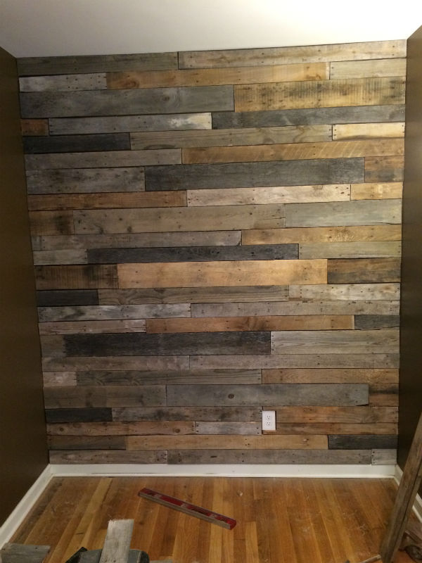 Tips For Building A Pallet Wall