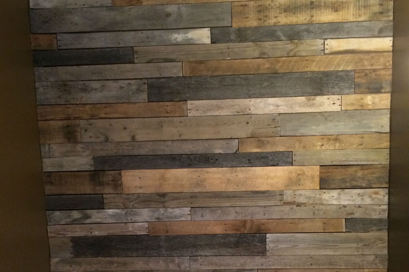 pallet wood feature wall how to build rawhyde furnishings. Black Bedroom Furniture Sets. Home Design Ideas