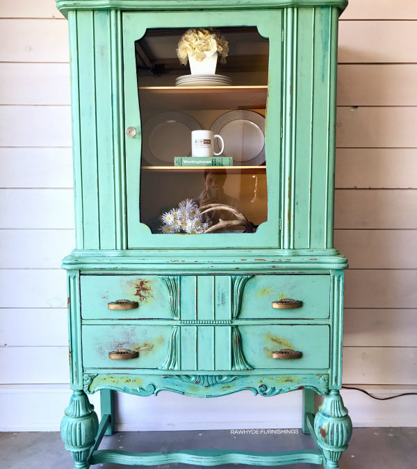 5 Ways To Distress Painted Furniture